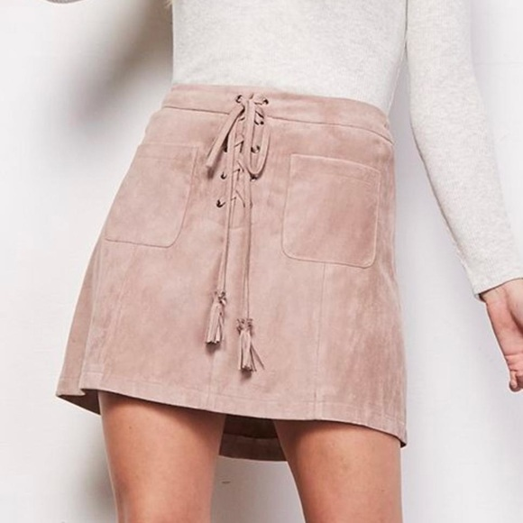 cupcakes & cashmere Dresses & Skirts - Cupcakes & Cashmere Suede Blush Skort